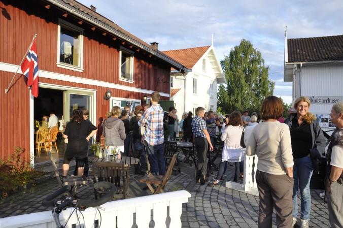 Poesislam: Publikum er klar for delfinale i NM i poesislam i Gvarv.
